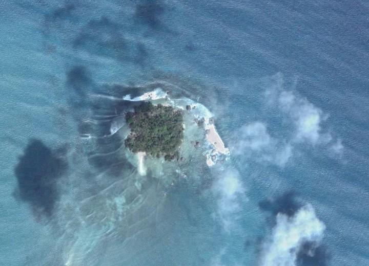 Mambok (rouges) et les Wasaï (jaunes) - Koh Lanta 2011 sur iles de Raja Ampat